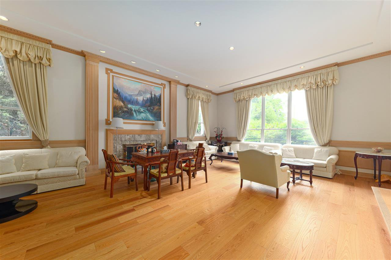 Photo 6: Photos: 4768 DRUMMOND Drive in Vancouver: Point Grey House for sale (Vancouver West)  : MLS®# R2480658