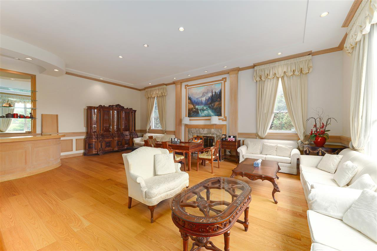 Photo 8: Photos: 4768 DRUMMOND Drive in Vancouver: Point Grey House for sale (Vancouver West)  : MLS®# R2480658