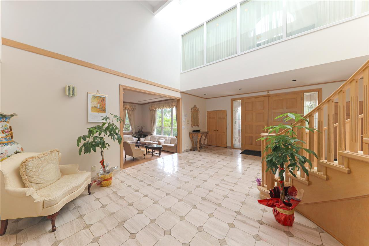 Photo 5: Photos: 4768 DRUMMOND Drive in Vancouver: Point Grey House for sale (Vancouver West)  : MLS®# R2480658