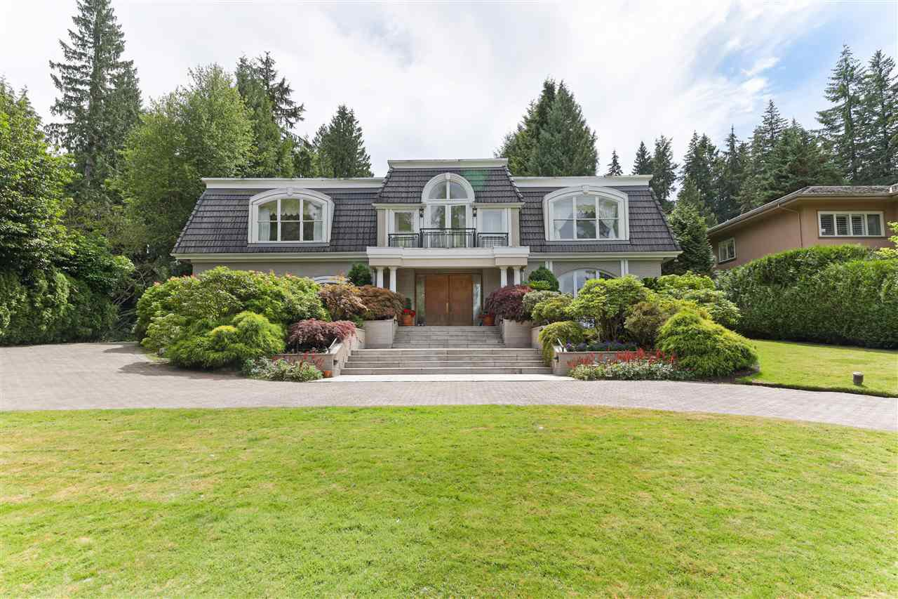 Photo 3: Photos: 4768 DRUMMOND Drive in Vancouver: Point Grey House for sale (Vancouver West)  : MLS®# R2480658