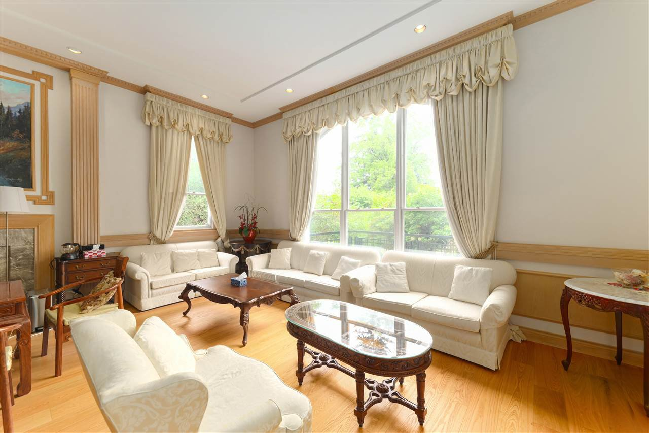 Photo 7: Photos: 4768 DRUMMOND Drive in Vancouver: Point Grey House for sale (Vancouver West)  : MLS®# R2480658