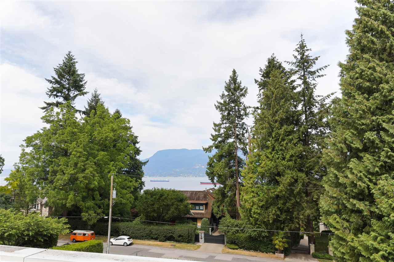 Photo 40: Photos: 4768 DRUMMOND Drive in Vancouver: Point Grey House for sale (Vancouver West)  : MLS®# R2480658