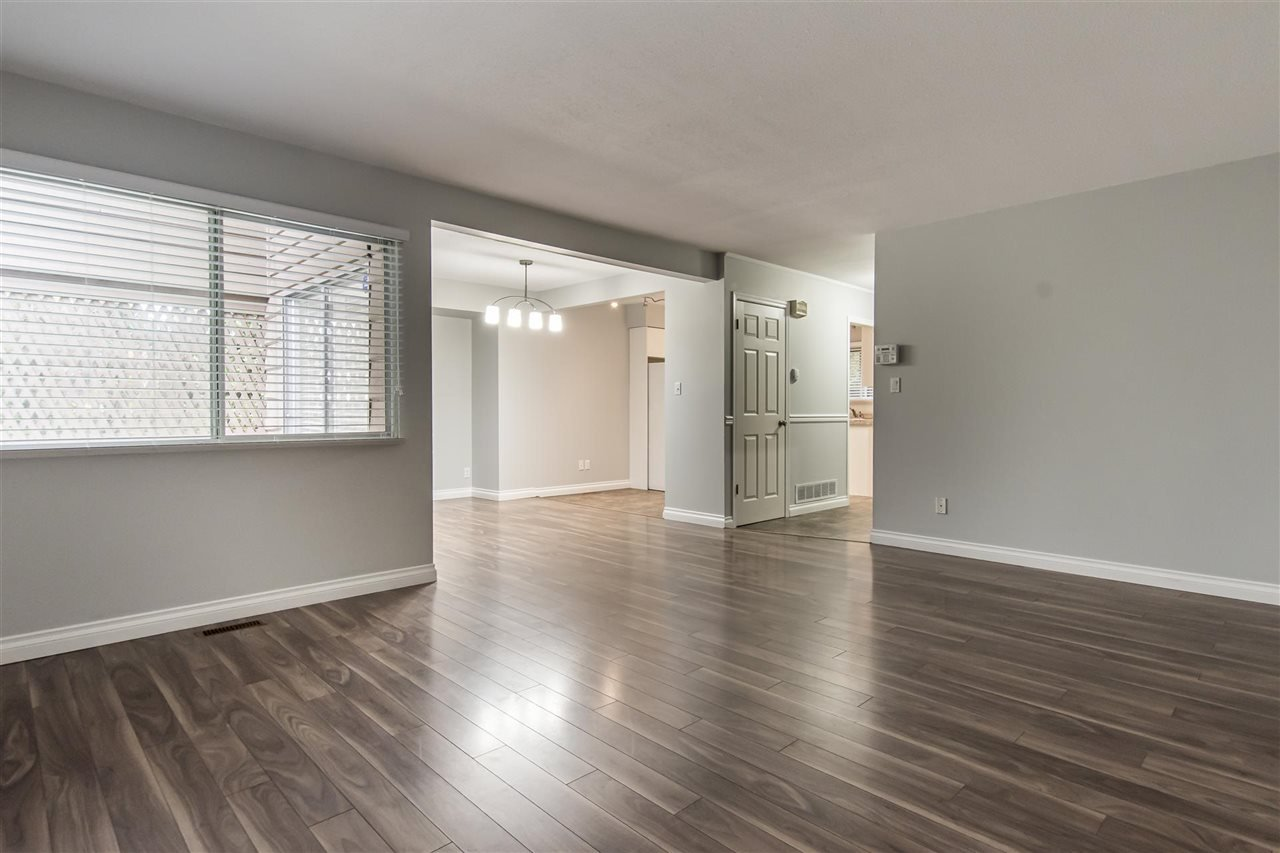 """Main Photo: 11787 DARBY Street in Maple Ridge: West Central Townhouse for sale in """"HOLLY MANOR"""" : MLS®# R2518329"""