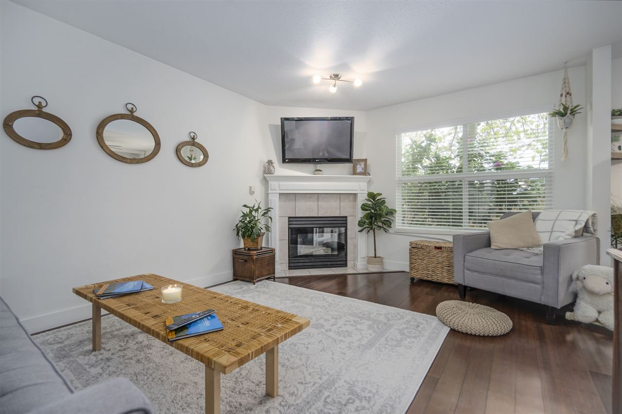 """Photo 2: Photos: 116 36060 OLD YALE Road in Abbotsford: Abbotsford East Townhouse for sale in """"Mountainview"""" : MLS®# R2454373"""