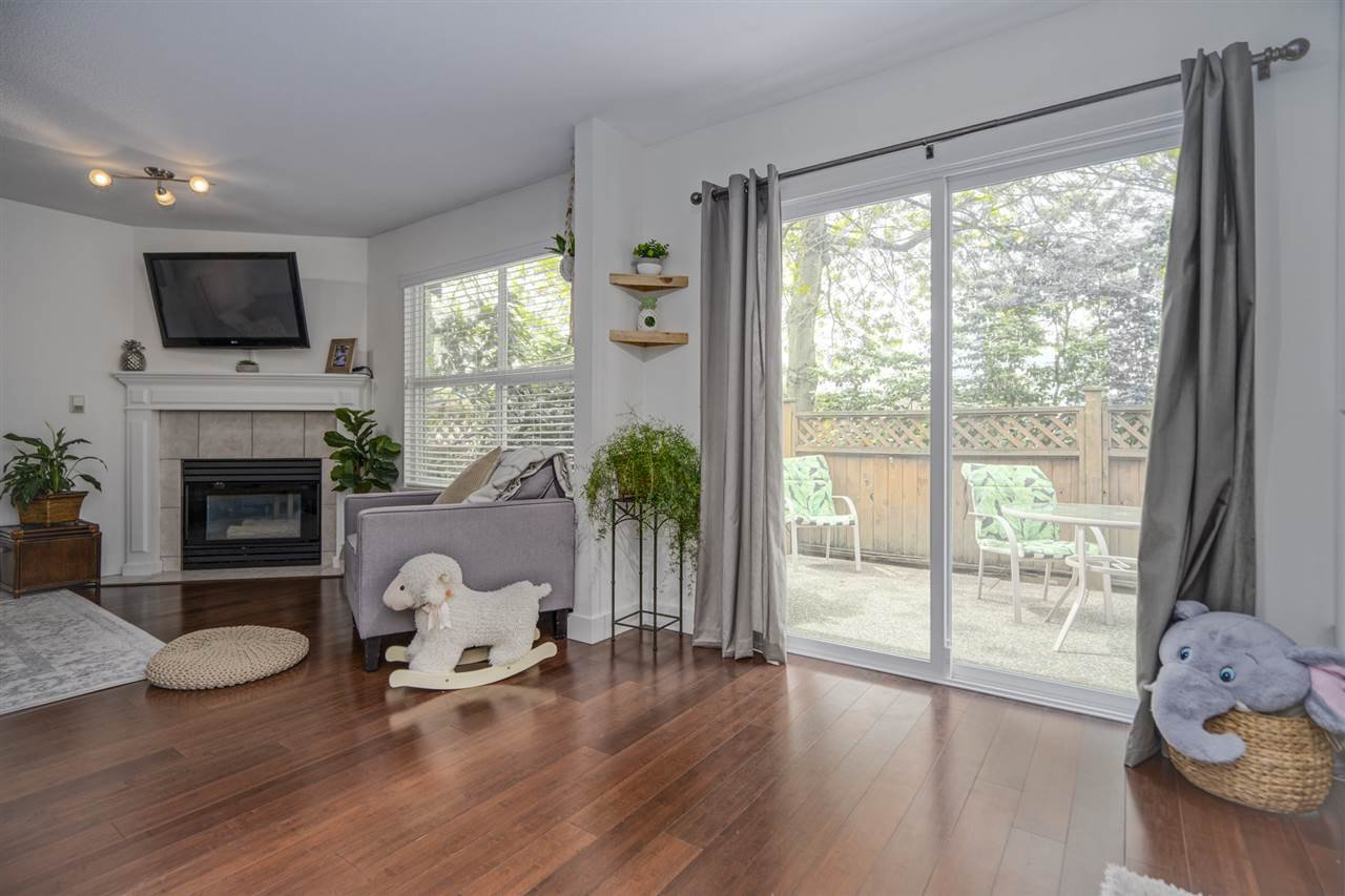 """Photo 8: Photos: 116 36060 OLD YALE Road in Abbotsford: Abbotsford East Townhouse for sale in """"Mountainview"""" : MLS®# R2454373"""