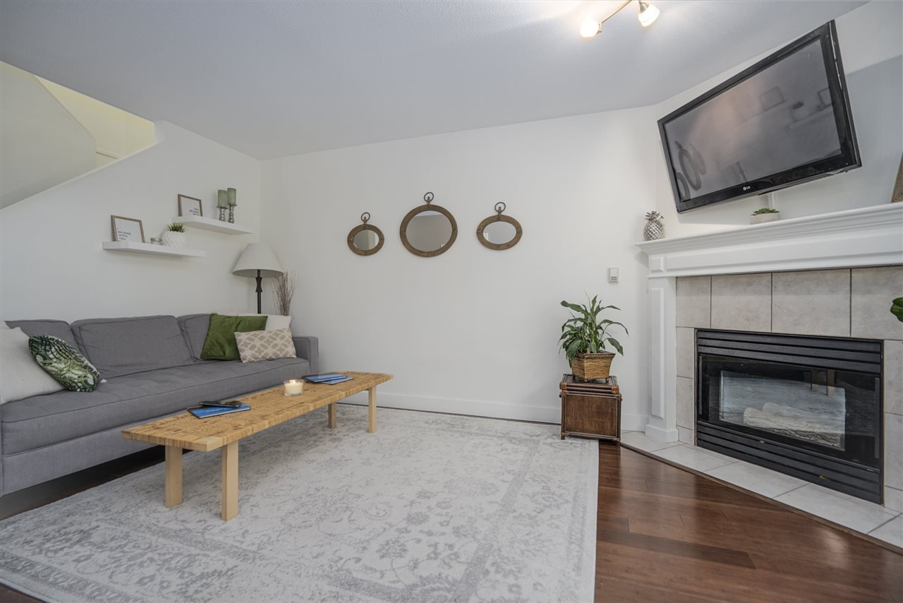 """Photo 3: Photos: 116 36060 OLD YALE Road in Abbotsford: Abbotsford East Townhouse for sale in """"Mountainview"""" : MLS®# R2454373"""