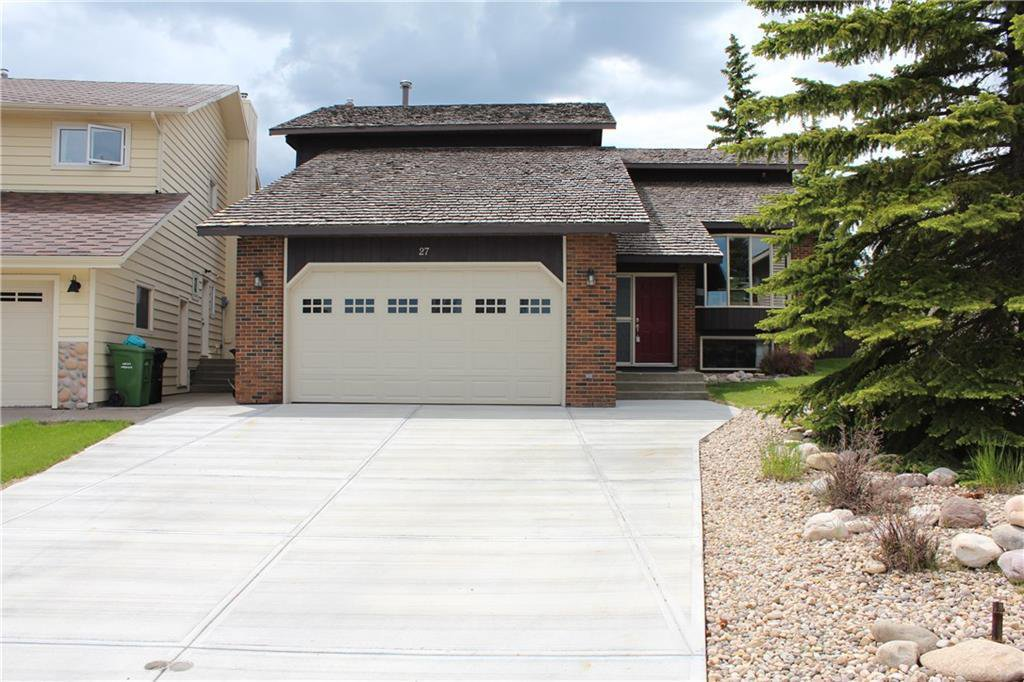 Main Photo: 27 EDGELAND Mews NW in Calgary: Edgemont Detached for sale : MLS®# C4302582