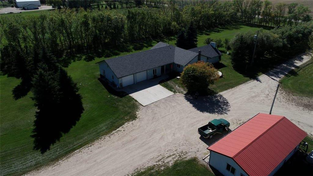 Main Photo: 30109 ROAD 35E Road in Steinbach: R16 Farm for sale : MLS®# 202023046