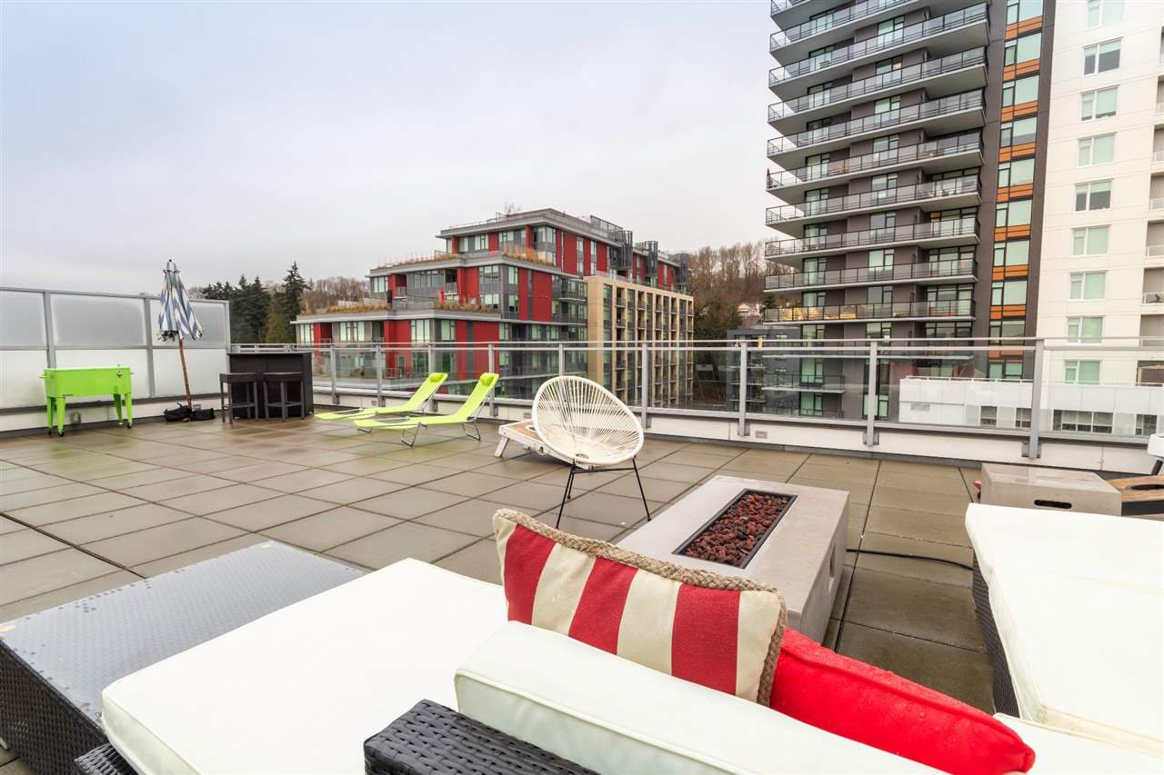 """Main Photo: 707 3488 SAWMILL Crescent in Vancouver: South Marine Condo for sale in """"3 TOWN CENTER"""" (Vancouver East)  : MLS®# R2527827"""