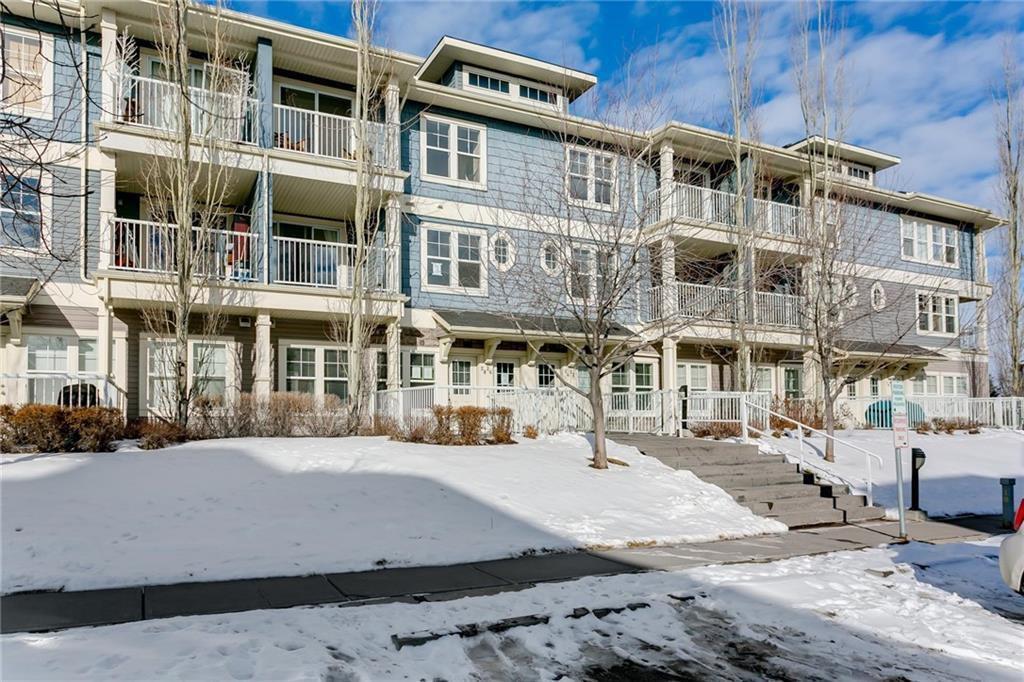 Main Photo: 28 AUBURN BAY Common SE in Calgary: Auburn Bay Row/Townhouse for sale : MLS®# C4284635