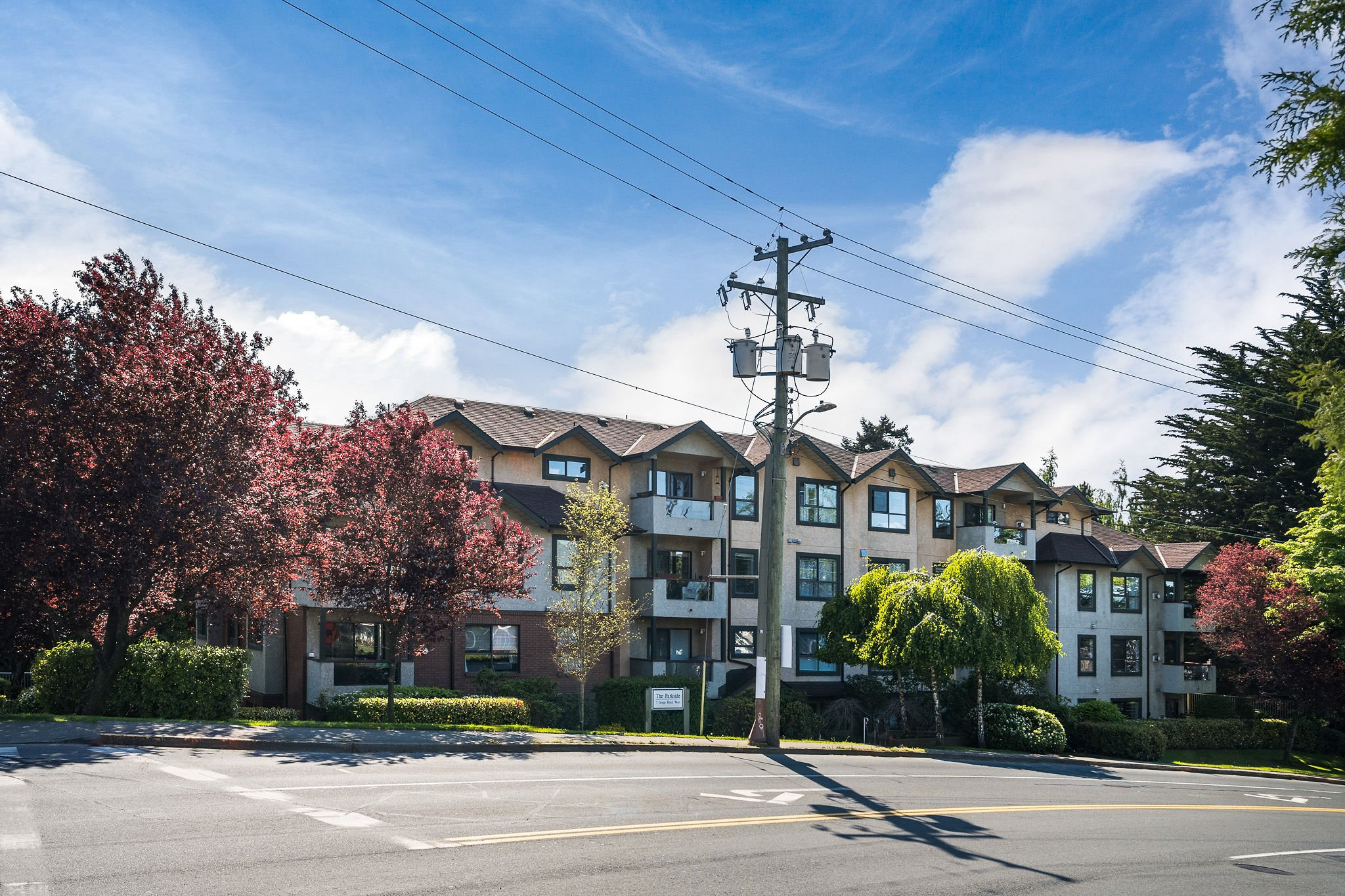 Main Photo: 206 7 W Gorge Rd in VICTORIA: SW Gorge Condo Apartment for sale (Saanich West)  : MLS®# 838805