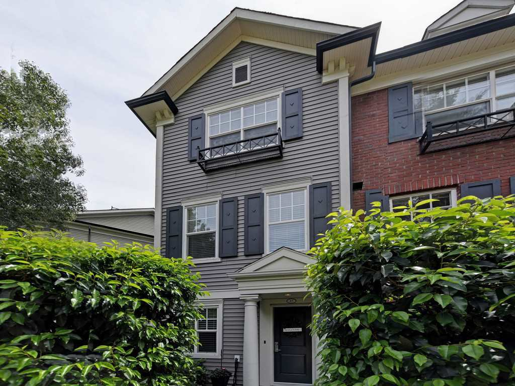 "Main Photo: 65 101 FRASER Street in Port Moody: Port Moody Centre Townhouse for sale in ""CORBEAU"" : MLS®# R2391678"