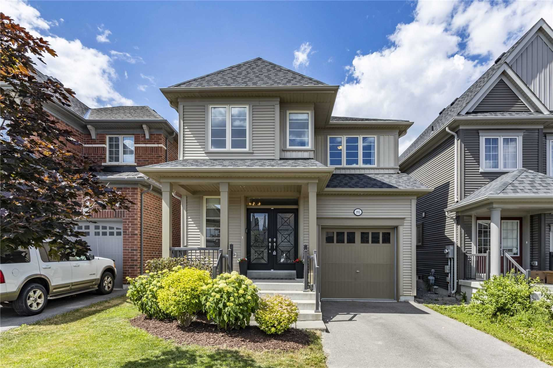 Main Photo: 195 Ice Palace Crescent in Oshawa: Windfields House (2-Storey) for sale : MLS®# E4810664