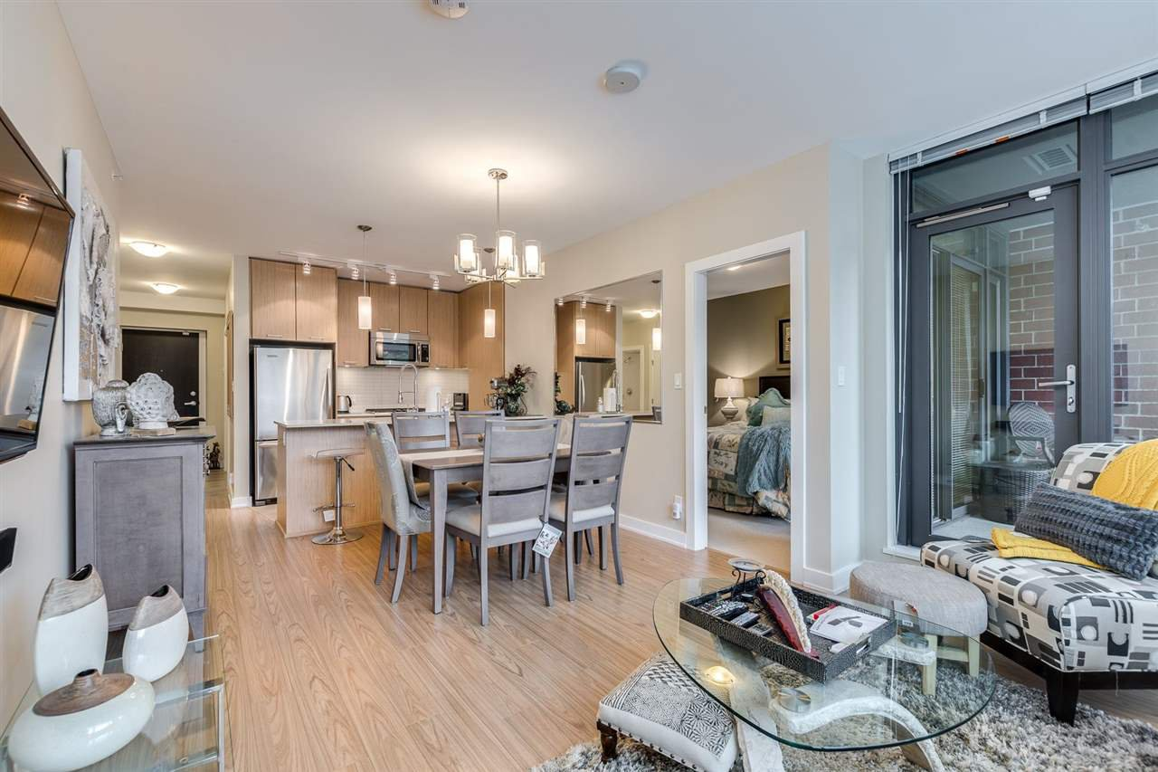 "Photo 8: Photos: 204 301 CAPILANO Road in Port Moody: Port Moody Centre Condo for sale in ""The Residences"" : MLS®# R2474301"