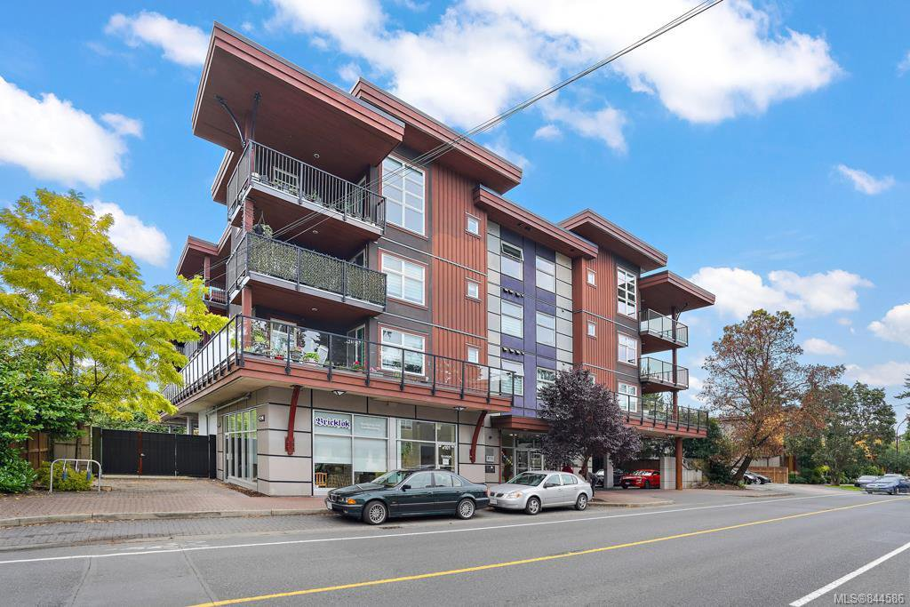 Main Photo: 203 2717 Peatt Rd in Langford: La Langford Proper Condo Apartment for sale : MLS®# 844586