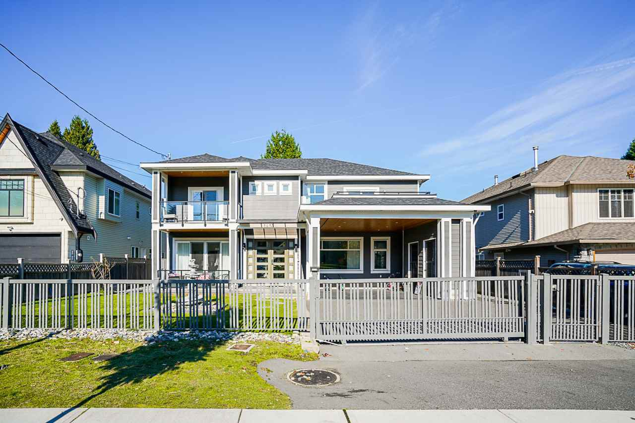 Main Photo: 14139 100A Avenue in Surrey: Whalley House for sale (North Surrey)  : MLS®# R2512326