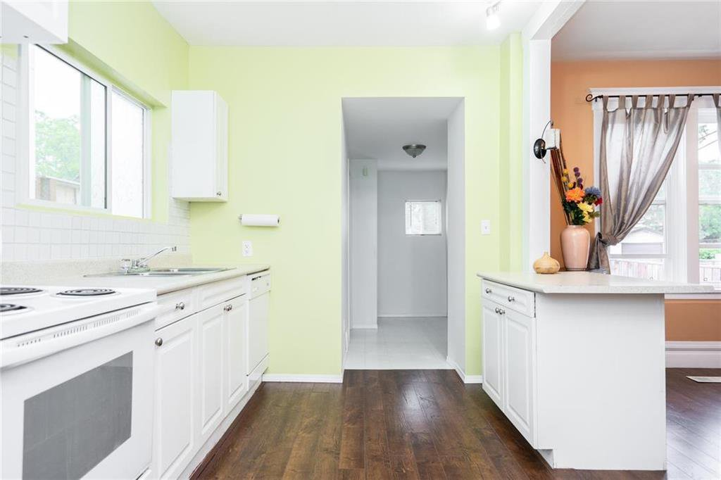 Photo 8: Photos: 327 Bannerman Avenue in Winnipeg: North End Residential for sale (4C)  : MLS®# 202013258