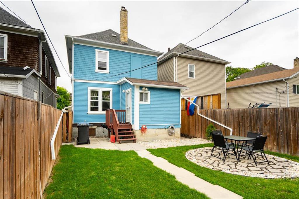 Photo 25: Photos: 327 Bannerman Avenue in Winnipeg: North End Residential for sale (4C)  : MLS®# 202013258