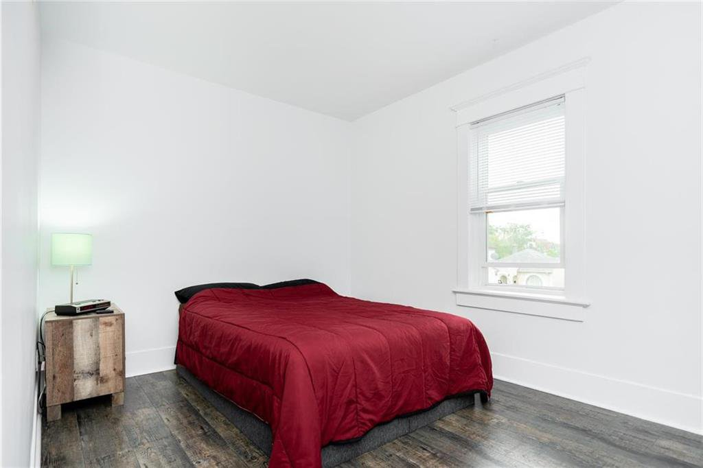 Photo 16: Photos: 327 Bannerman Avenue in Winnipeg: North End Residential for sale (4C)  : MLS®# 202013258