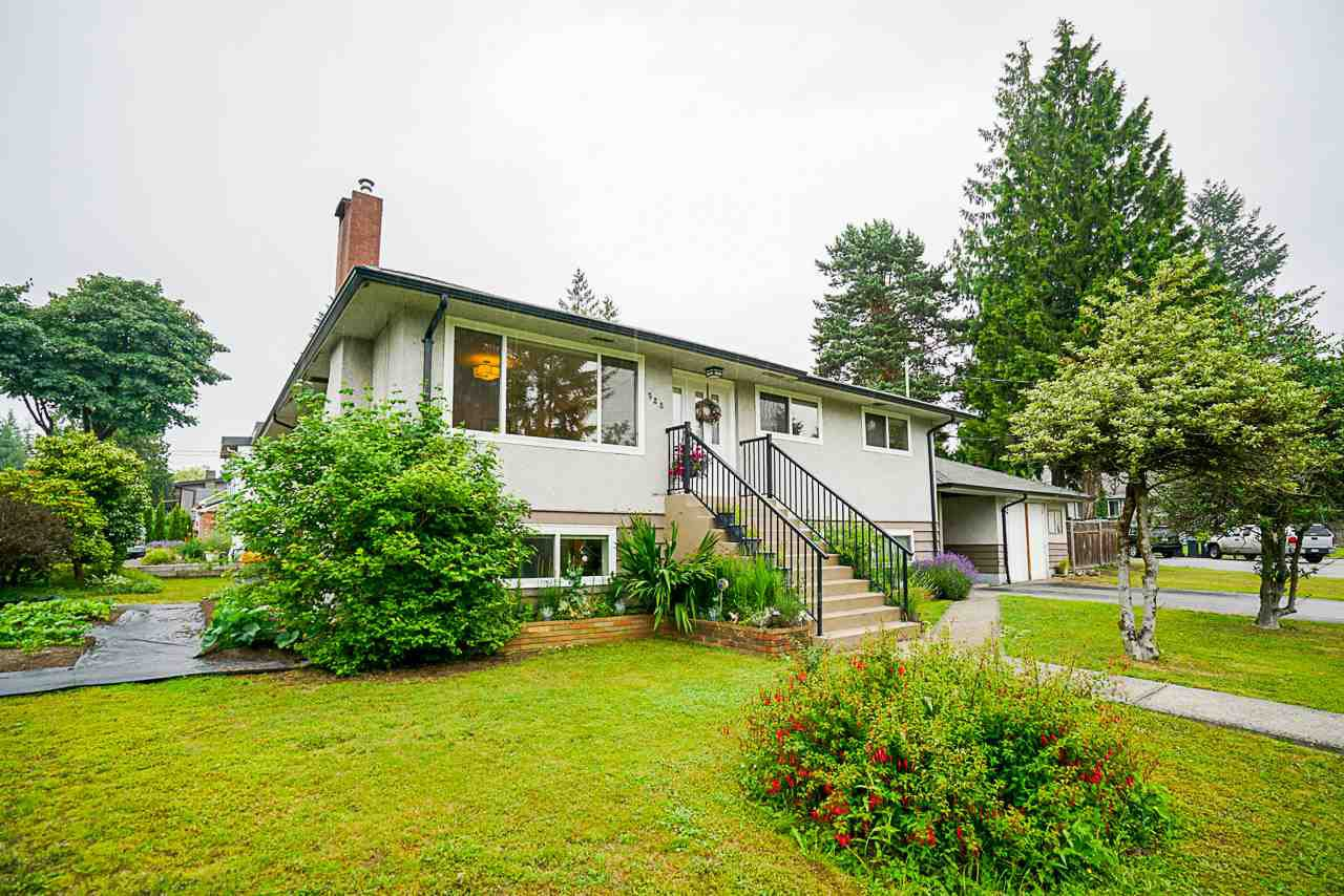 "Main Photo: 928 GLENACRE Court in Port Moody: College Park PM House for sale in ""COLLEGE PARK"" : MLS®# R2470357"