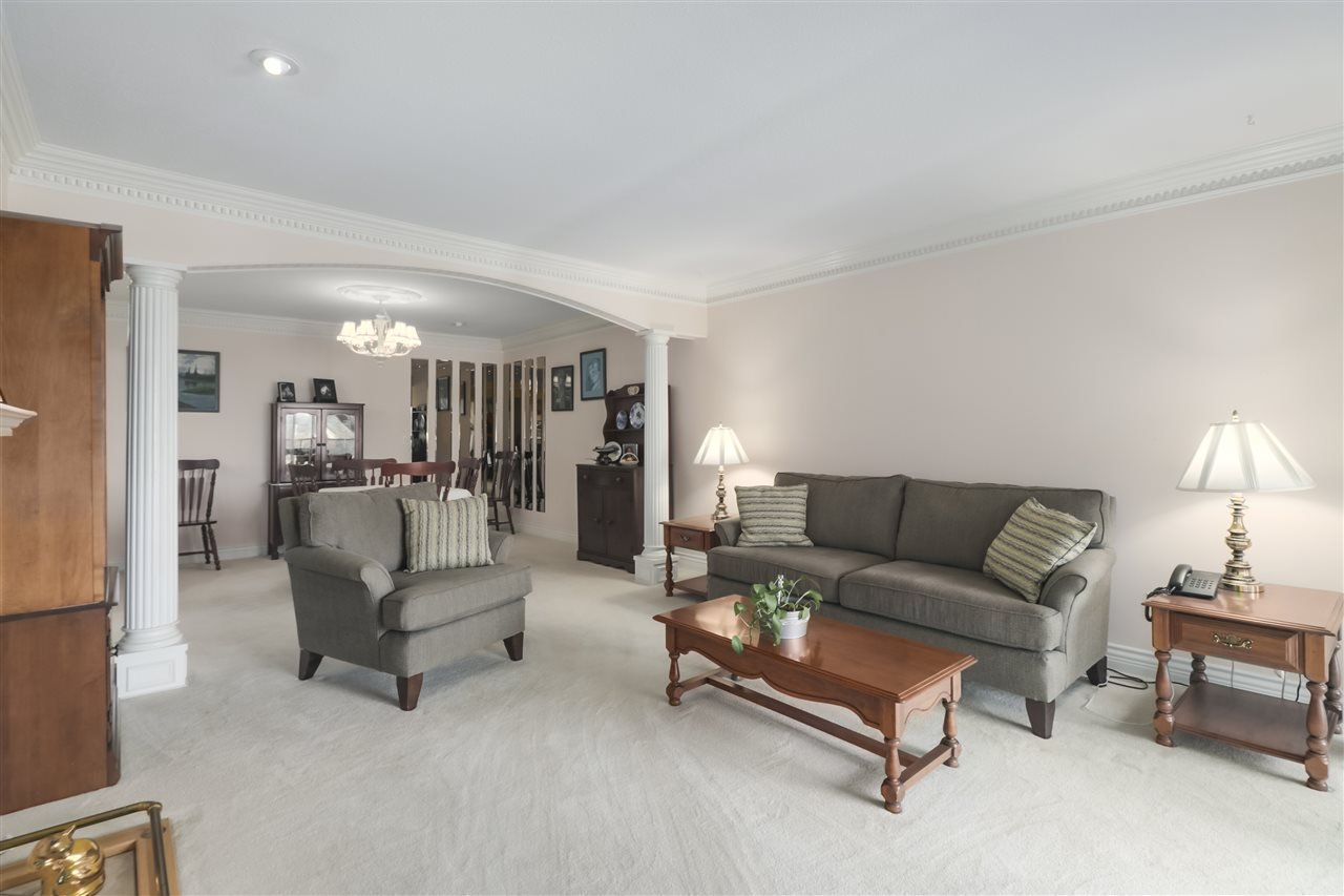 """Photo 10: Photos: 318 22611 116TH Street in Maple Ridge: East Central Condo for sale in """"Rosewood Court - Fraserview"""" : MLS®# R2404349"""