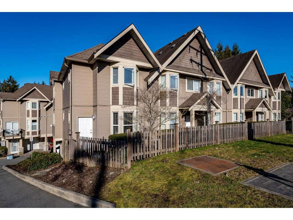 "Main Photo: 1 33321 GEORGE FERGUSON Way in Abbotsford: Central Abbotsford Townhouse for sale in ""Cedar Lane"" : MLS®# R2438184"