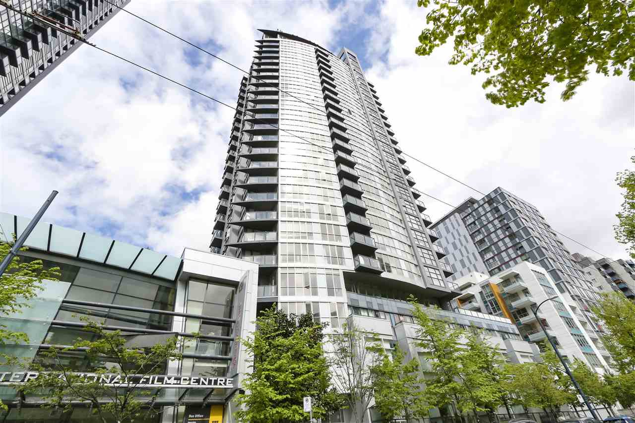 "Main Photo: 705 1155 SEYMOUR Street in Vancouver: Downtown VW Condo for sale in ""BRAVA NORTH"" (Vancouver West)  : MLS®# R2453073"