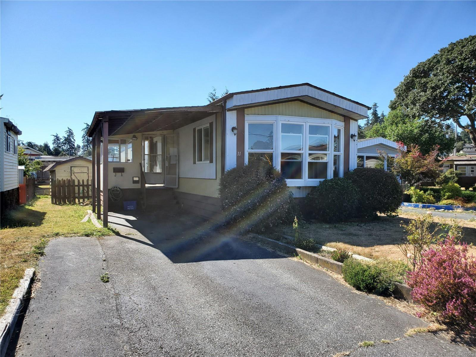 Main Photo: 11 158 Cooper Rd in : VW Songhees Manufactured Home for sale (Victoria West)  : MLS®# 853563