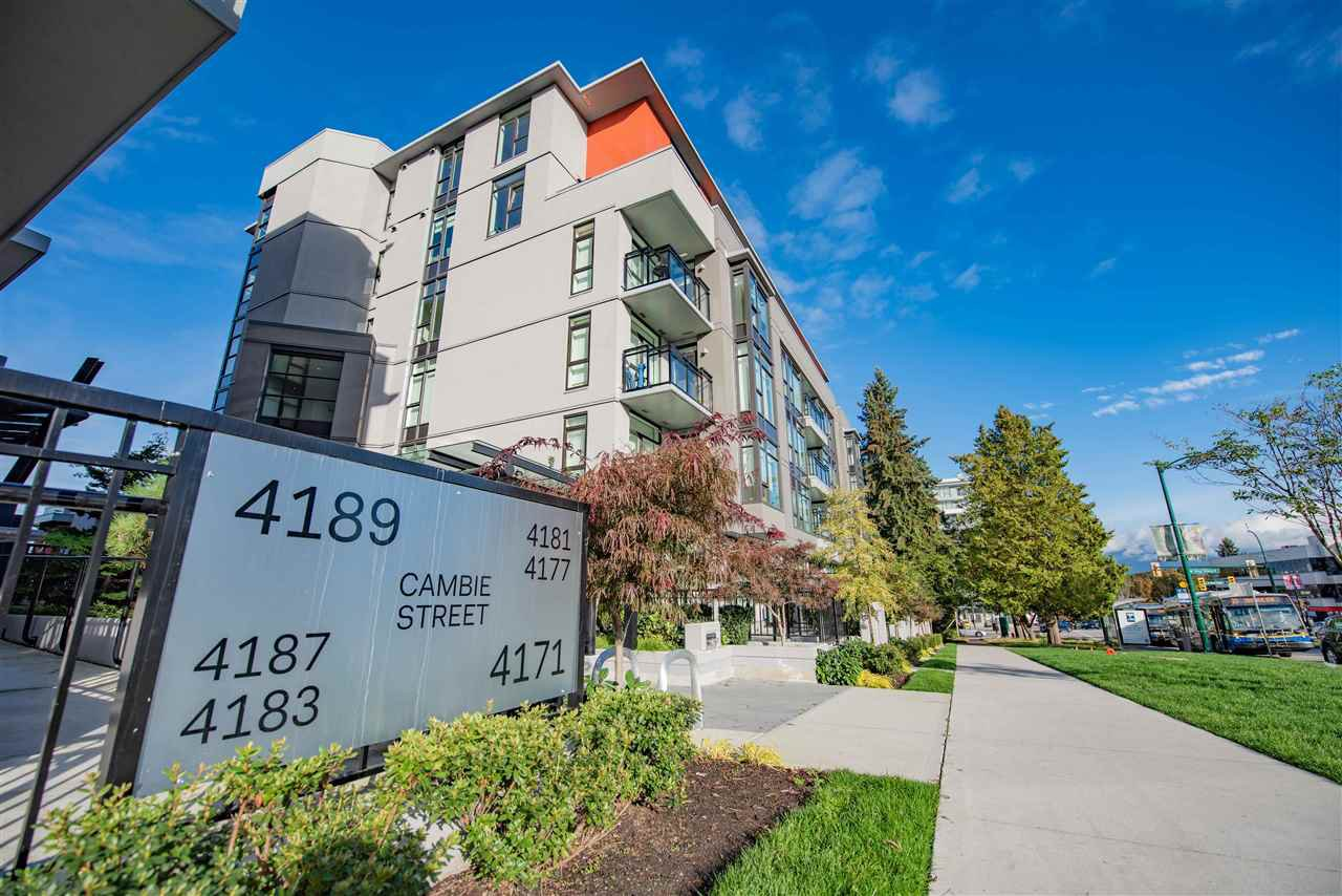 "Main Photo: 105 4171 CAMBIE Street in Vancouver: Cambie Condo for sale in ""Parq 26"" (Vancouver West)  : MLS®# R2508732"