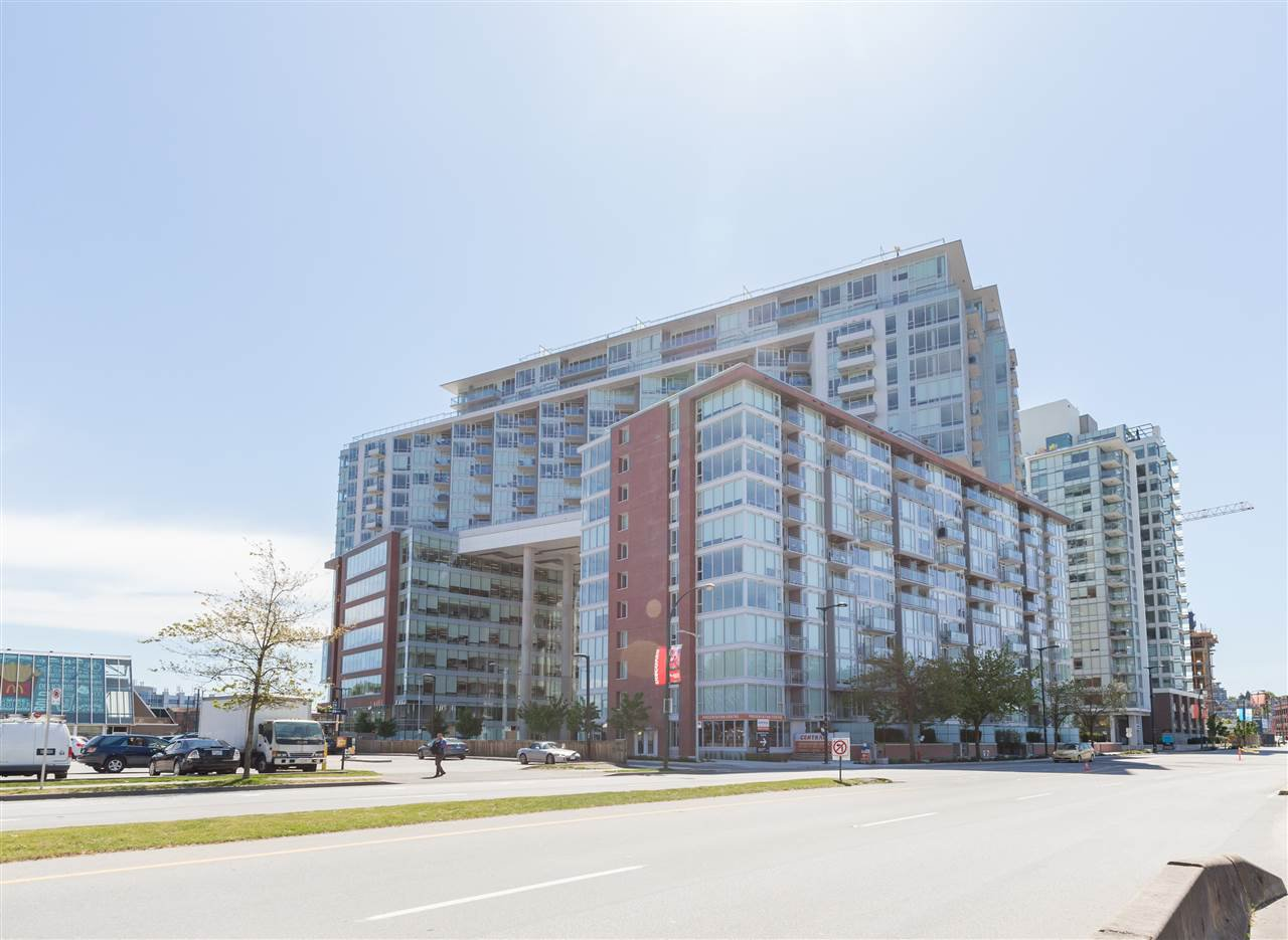 "Main Photo: 906 1618 QUEBEC Street in Vancouver: Mount Pleasant VE Condo for sale in ""CENTRAL"" (Vancouver East)  : MLS®# R2400058"