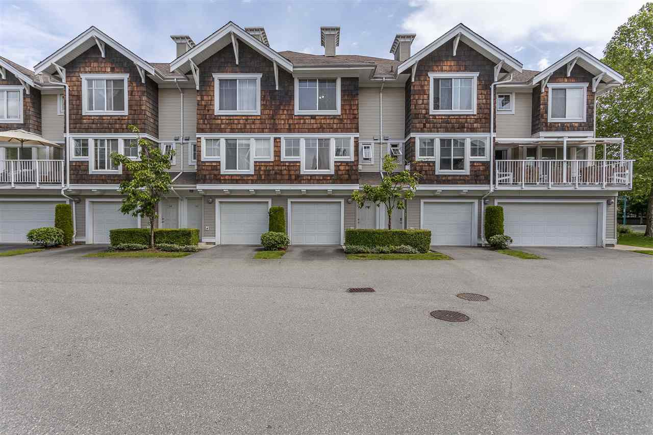 "Main Photo: 44 20760 DUNCAN Way in Langley: Langley City Townhouse for sale in ""Wyndham Lane II"" : MLS®# R2461053"