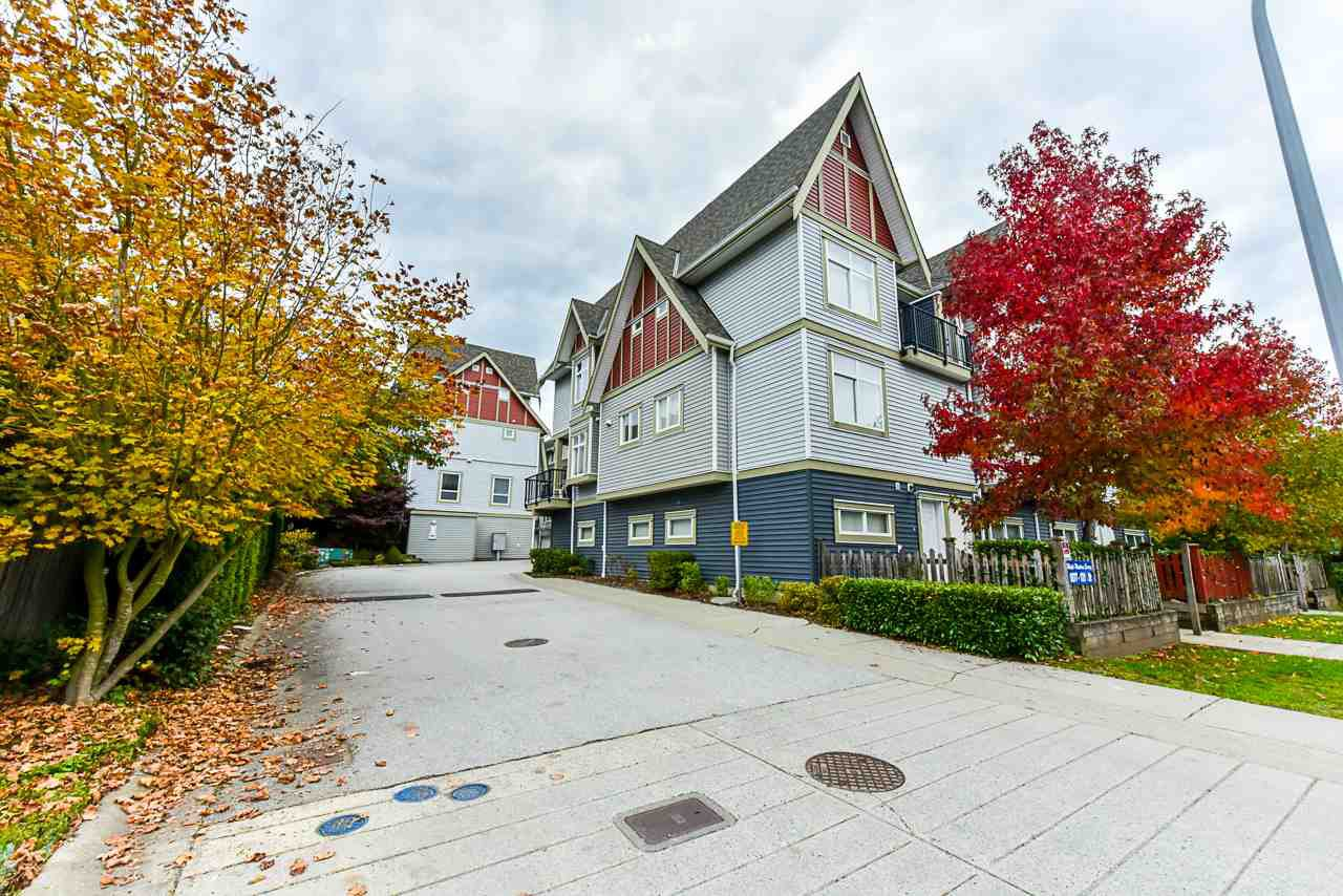 Main Photo: 21 9277 121 Street in Surrey: Queen Mary Park Surrey Townhouse for sale : MLS®# R2469197