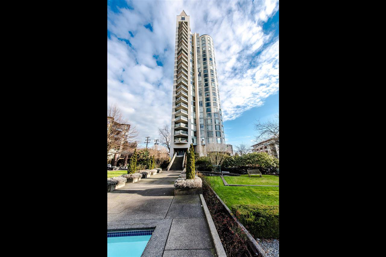 Main Photo: 1401 120 W 2ND STREET in : Lower Lonsdale Condo for sale : MLS®# R2334076