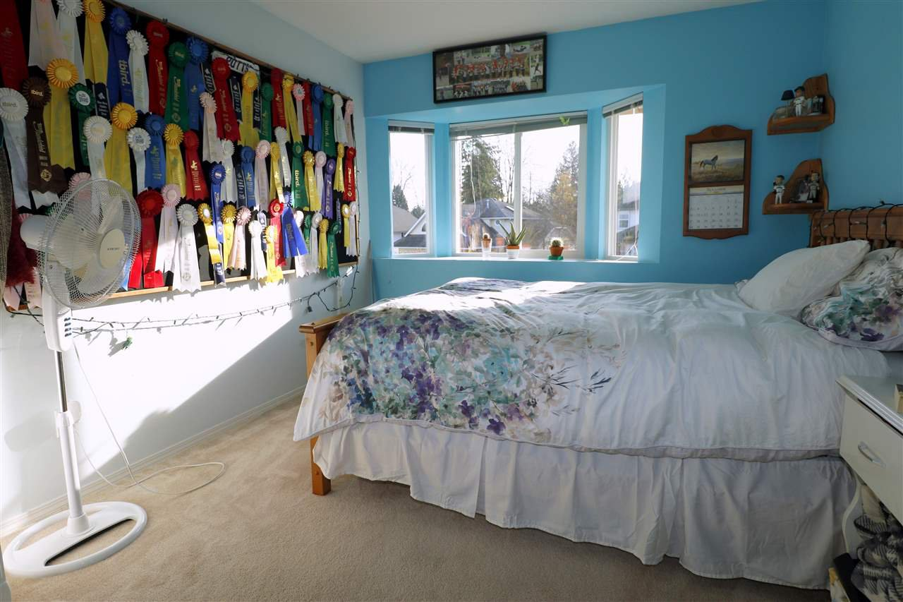 Photo 11: Photos: 19624 SOMERSET Drive in Pitt Meadows: Mid Meadows House for sale : MLS®# R2418234