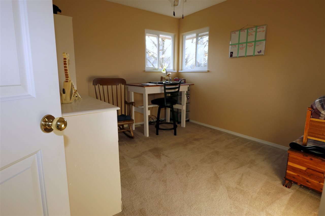 Photo 12: Photos: 19624 SOMERSET Drive in Pitt Meadows: Mid Meadows House for sale : MLS®# R2418234