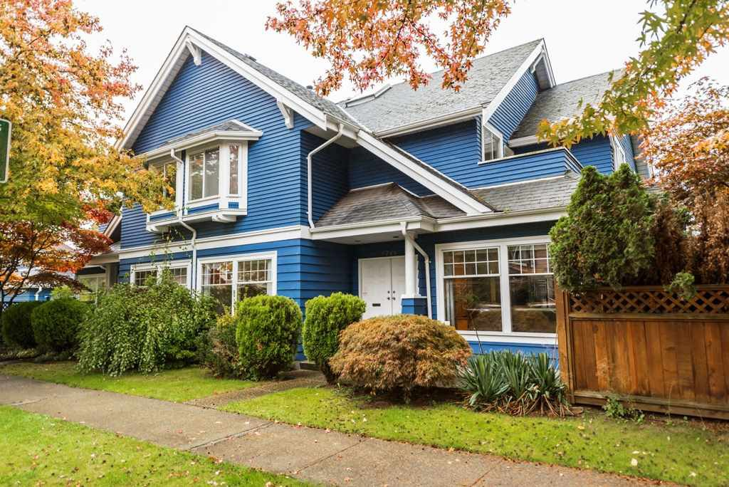Main Photo: 2788 CYPRESS Street in Vancouver: Kitsilano House 1/2 Duplex for sale (Vancouver West)  : MLS®# R2424951