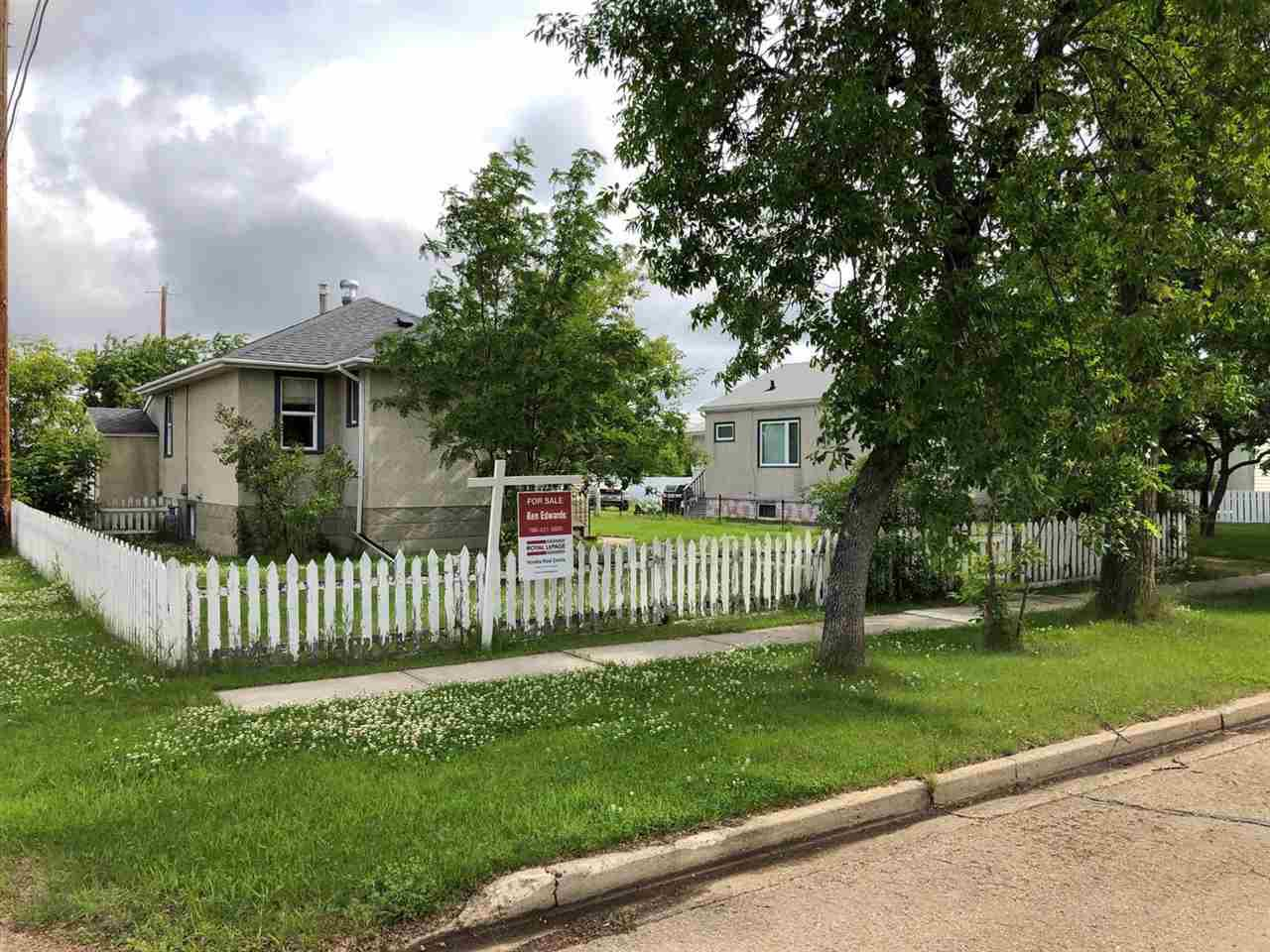 Main Photo: 4728 47 Avenue: Redwater House for sale : MLS®# E4188639