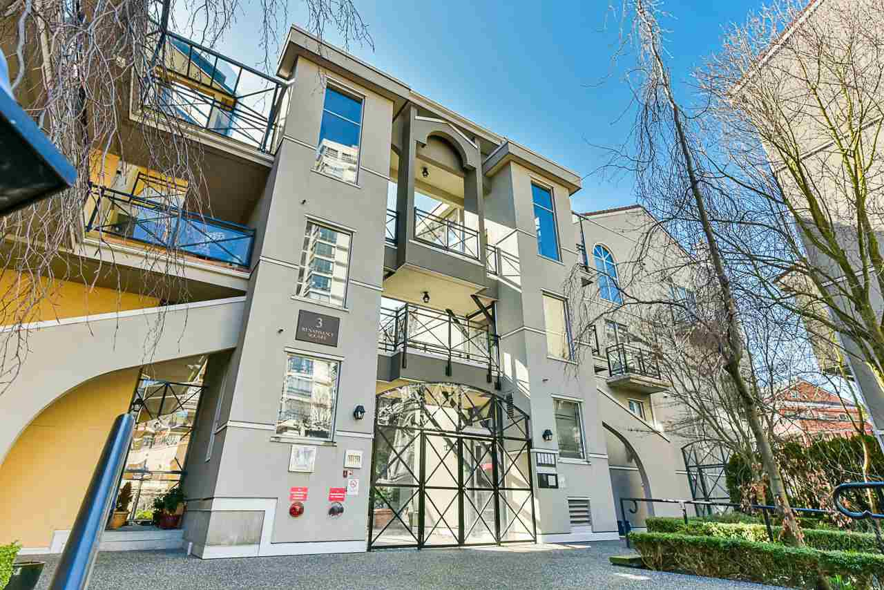 "Main Photo: 304 3 RENAISSANCE Square in New Westminster: Quay Condo for sale in ""The Lido"" : MLS®# R2445388"