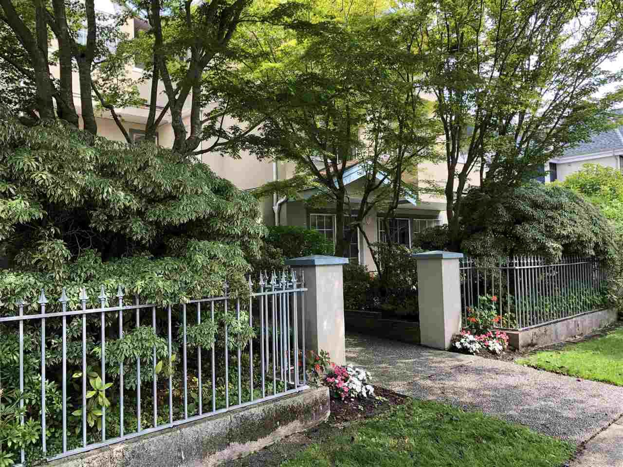 Main Photo: 101 825 W 15TH Avenue in Vancouver: Fairview VW Condo for sale (Vancouver West)  : MLS®# R2393622