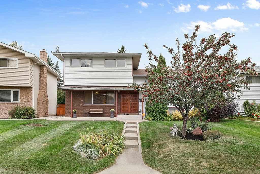 Main Photo: 9208 169 Street in Edmonton: Zone 22 House for sale : MLS®# E4214513