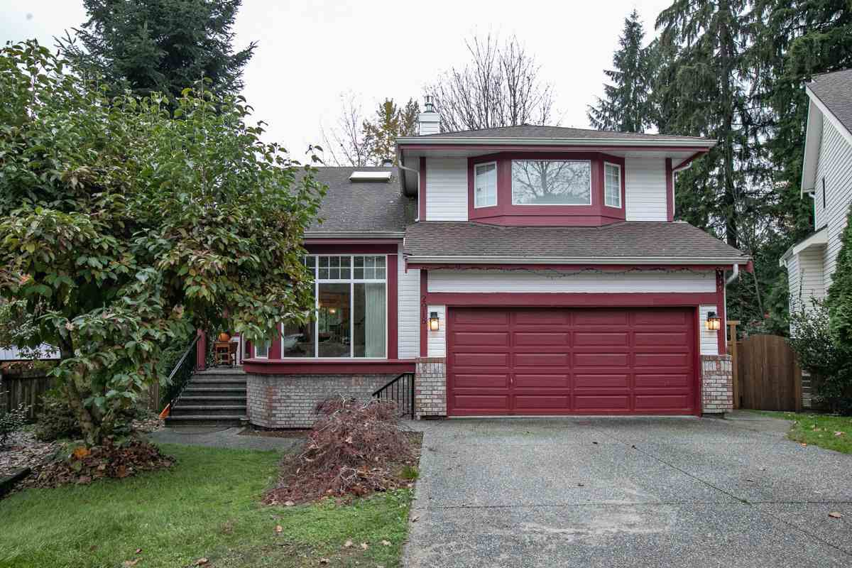 Main Photo: 2918 VALLEYVISTA Drive in Coquitlam: Westwood Plateau House for sale : MLS®# R2516012