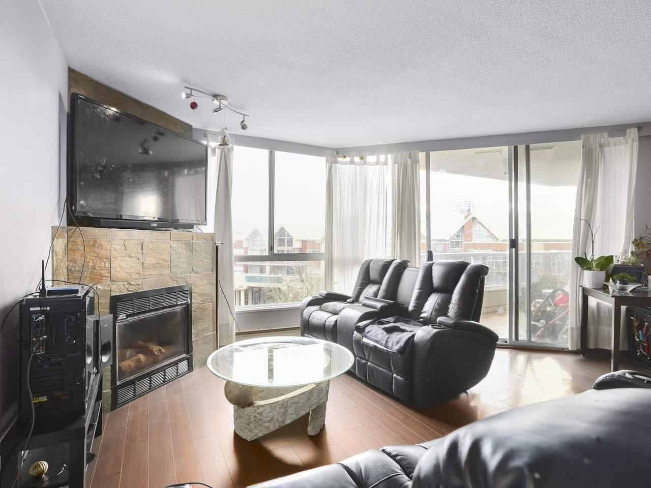 """Main Photo: 506 1245 QUAYSIDE Drive in New Westminster: Quay Condo for sale in """"RIVIERA"""" : MLS®# R2523457"""