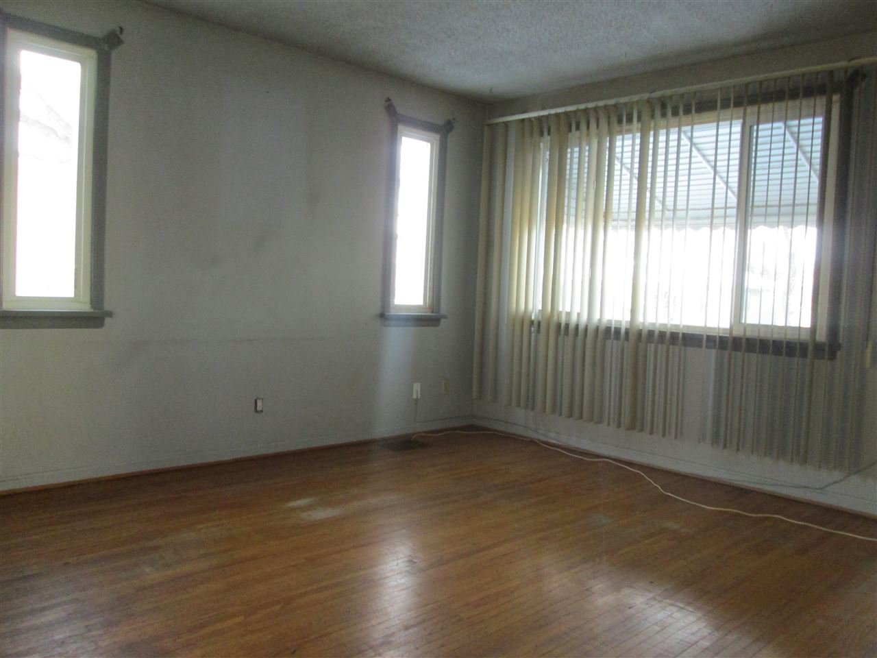 Main Photo: 11945 69 Street in Edmonton: Zone 06 House for sale : MLS®# E4183147