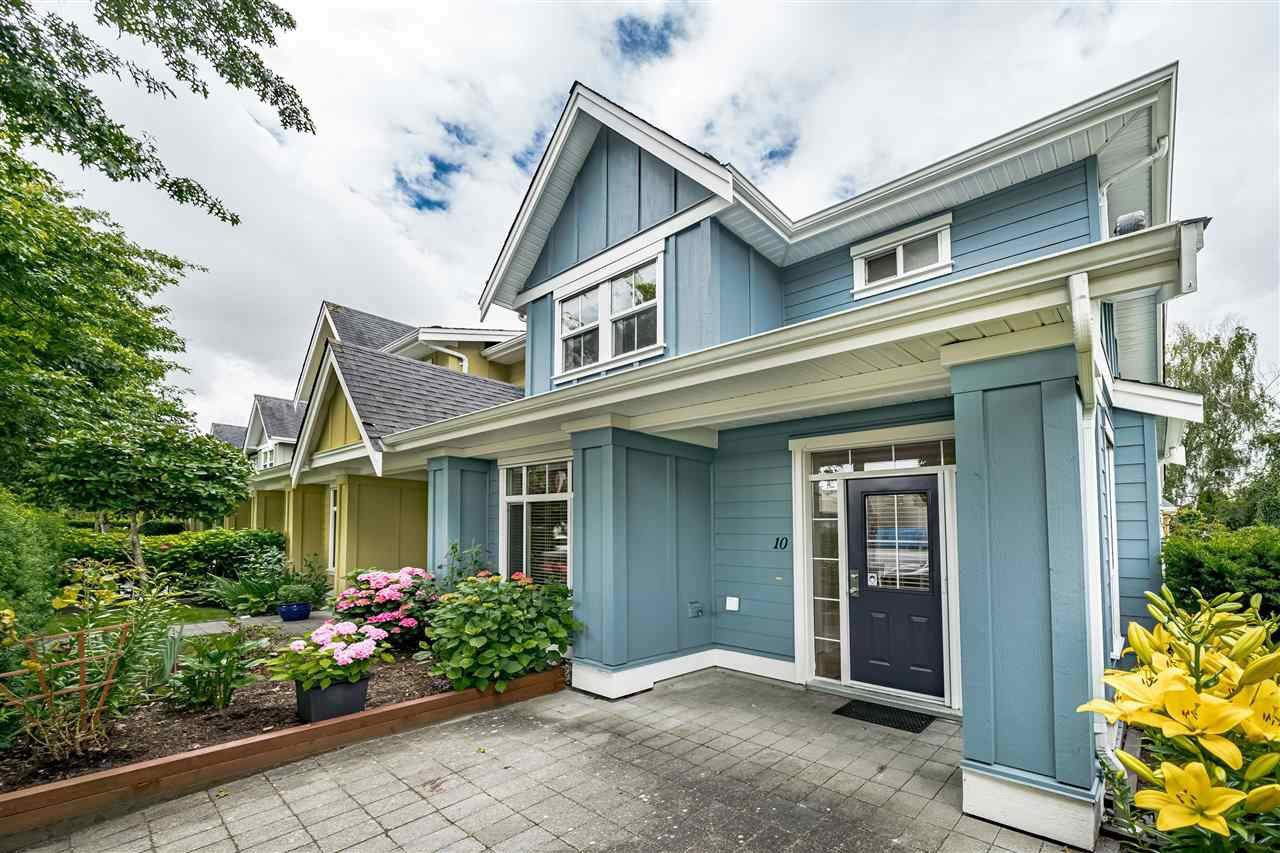 Main Photo: 10 4887 CENTRAL Avenue in Delta: Hawthorne Townhouse for sale (Ladner)  : MLS®# R2470808
