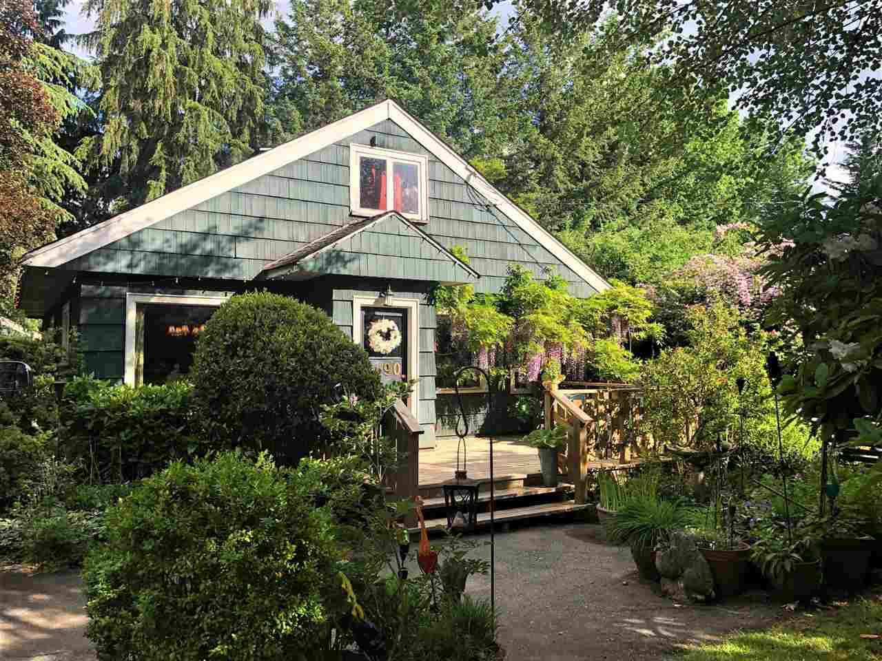 """Main Photo: 8890 BARTLETT Street in Langley: Fort Langley House for sale in """"Fort Langley"""" : MLS®# R2477510"""