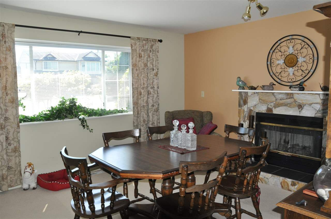 Photo 6: Photos: 11959 238B Street in Maple Ridge: Cottonwood MR House for sale : MLS®# R2392514