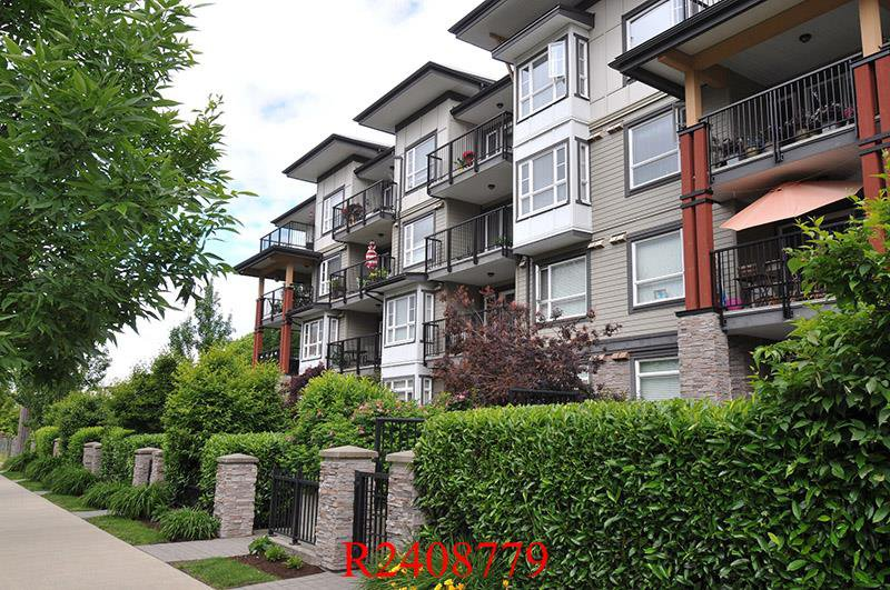 "Main Photo: 112 12075 EDGE Street in Maple Ridge: East Central Condo for sale in ""THE EDGE"" : MLS®# R2408779"
