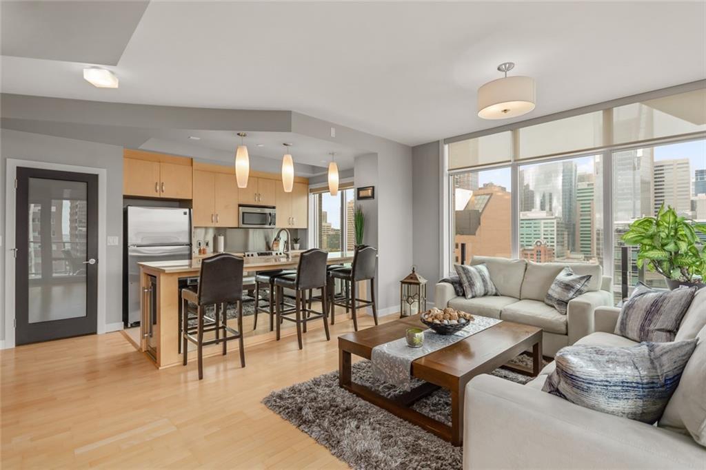 Main Photo: 1104 530 12 Avenue SW in Calgary: Beltline Apartment for sale : MLS®# C4300455