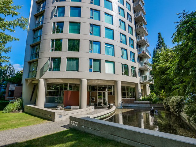 Main Photo: 404 1277 Nelson Street in Vancouver: Condo for sale : MLS®# R2341604