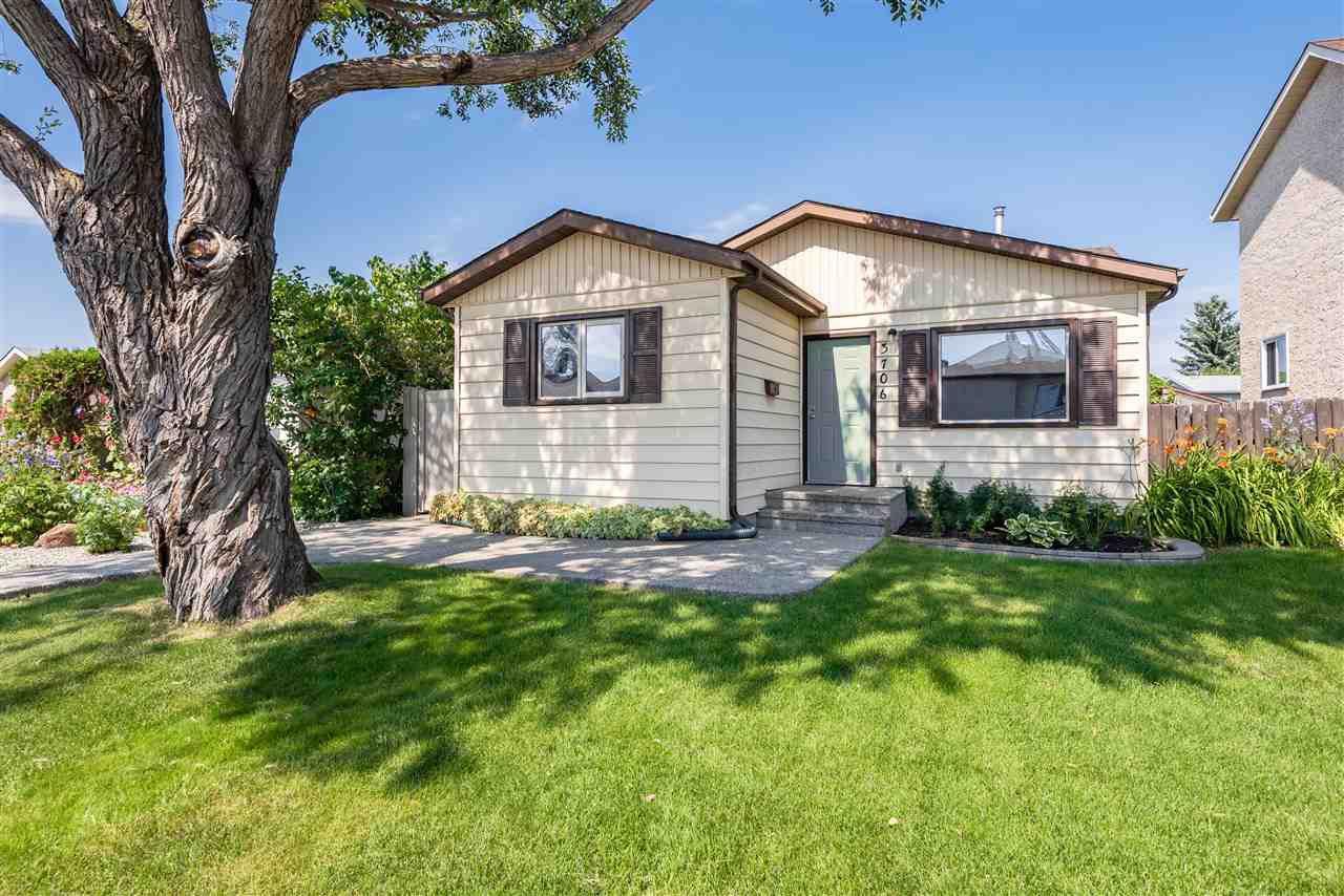 Main Photo: 3706 41 Avenue NW in Edmonton: Zone 29 House for sale : MLS®# E4208729